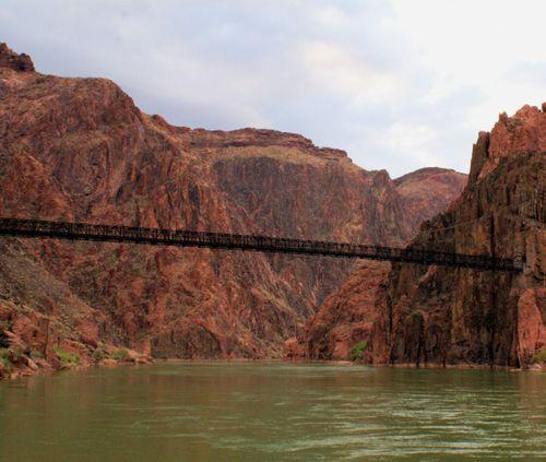 Thumb 12 04_25_09 black bridge and co river morning
