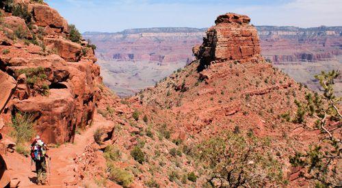 15 thumb 04_24_09 jodi mike hiking down