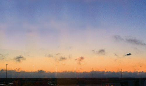 09_09 airport sunset