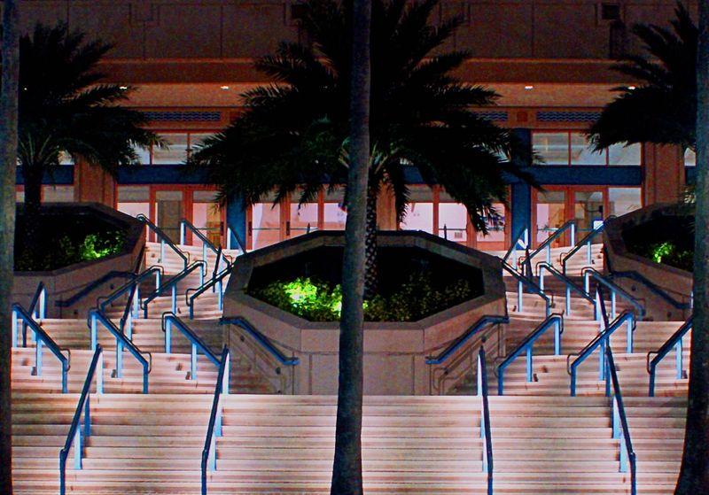 01_10 tampa steps