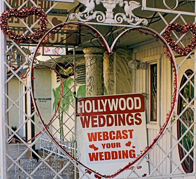 03_10 thumb hollywood weddings