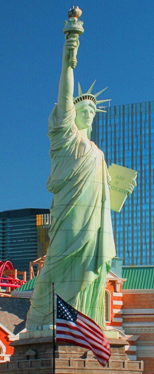 07_04_10 thumb lady liberty and flag