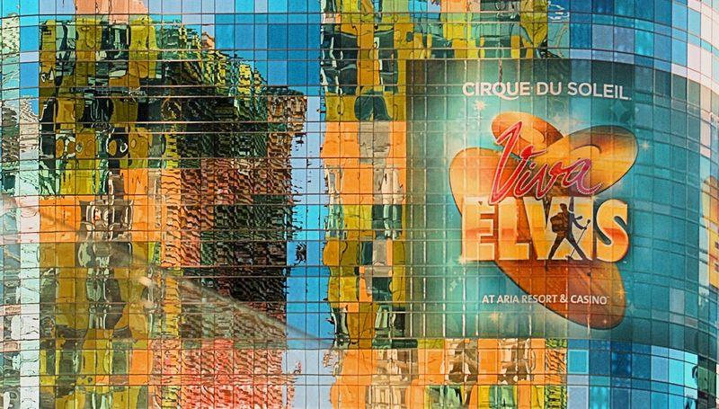 07_10 thumb las elvis 2 reflection