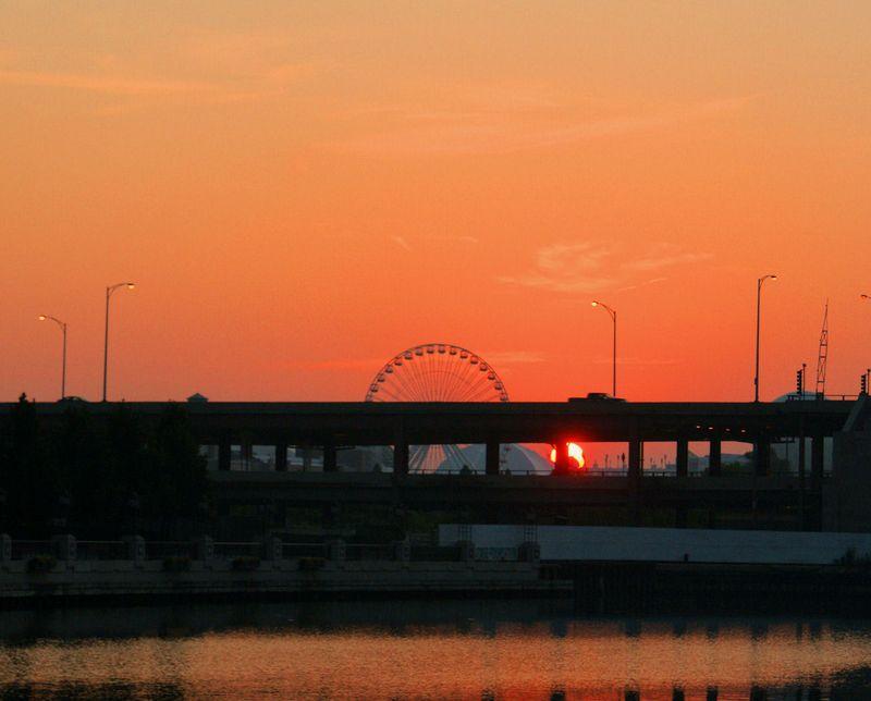 08_10 thumb ferris wheel sunrise