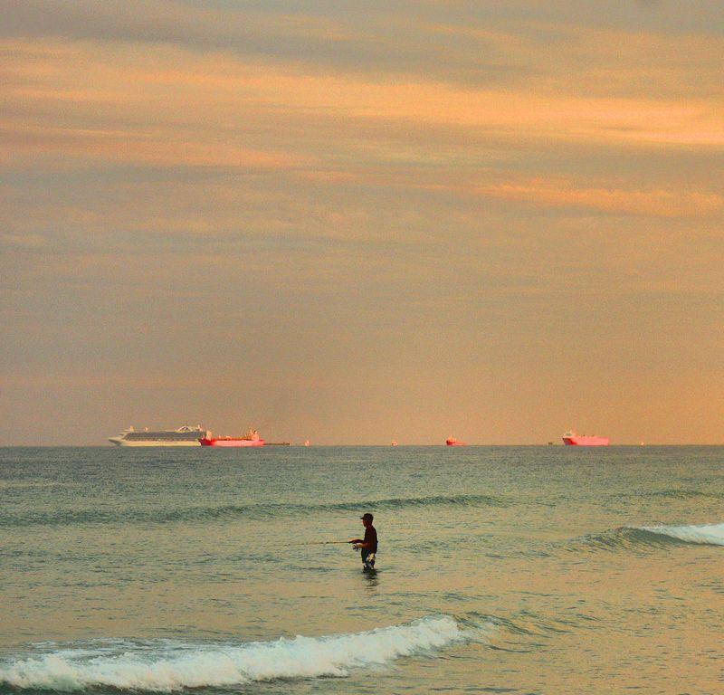 01_11 thumb fishing at sunset