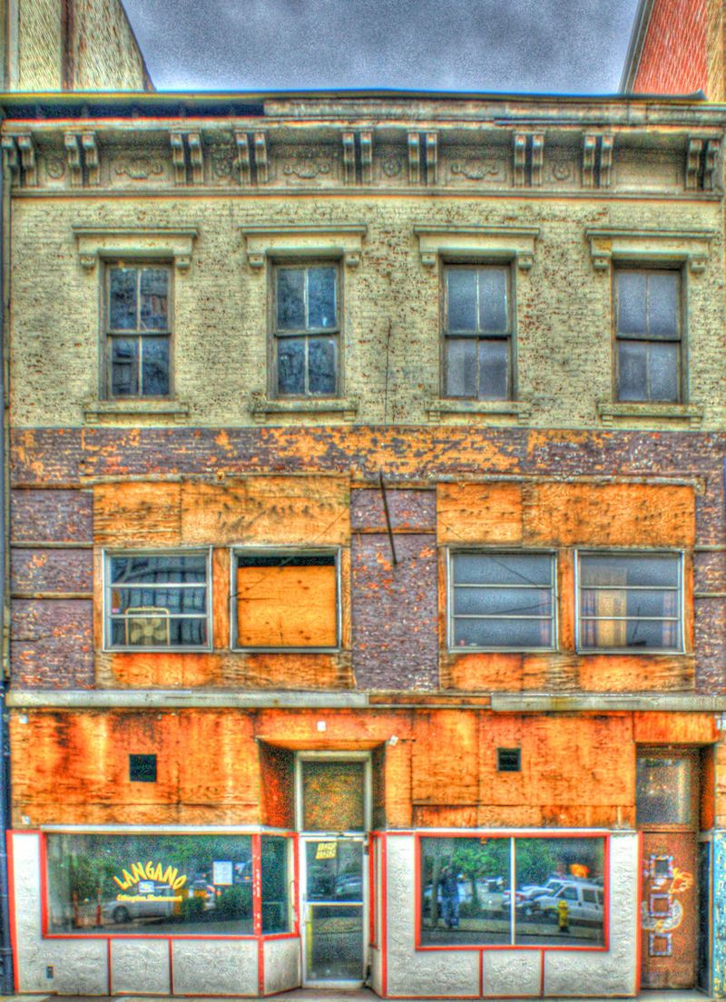 05_11 thumb cinci langano bldg grumge FINAL DSC01460_1_2_tonemapped