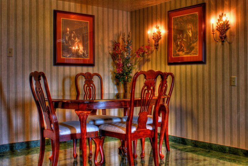 07_11 thumb lv dining rm painterly DSC02643_4_5_tonemapped