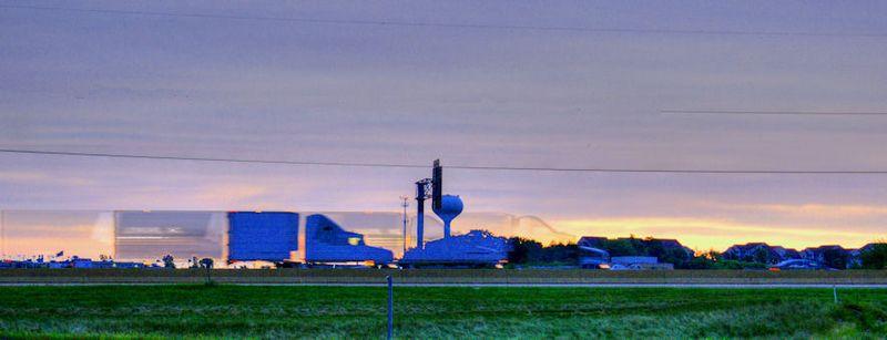 08_11 thumb truckers sunrise 2 DSC02911_2_3_tonemapped