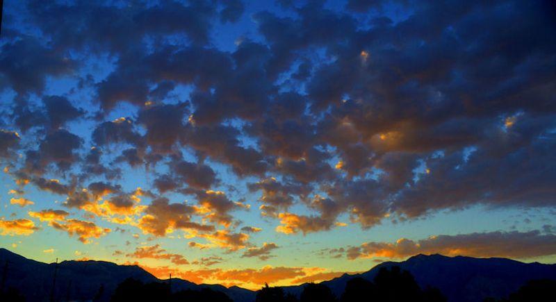 09_11 thumb utah sunrise DSC03036_7_8_tonemapped