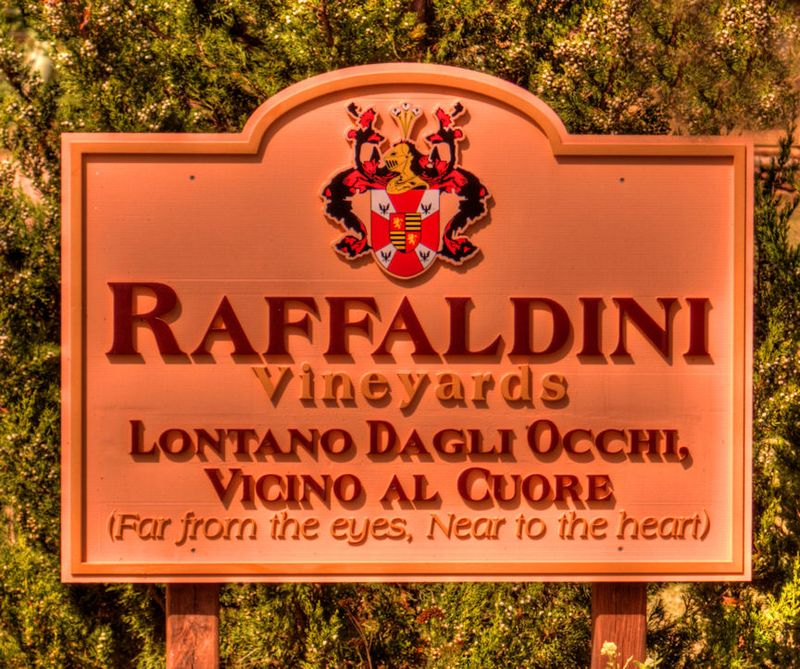 10_11 thumb raffaldini sign DSC03336_tonemapped