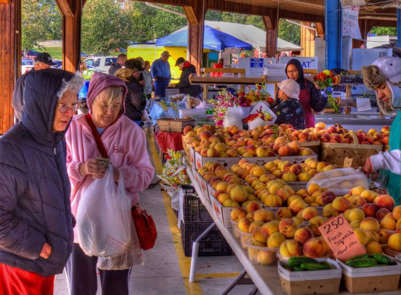 10_11 thumb farmers mkt DSC03379_tonemapped