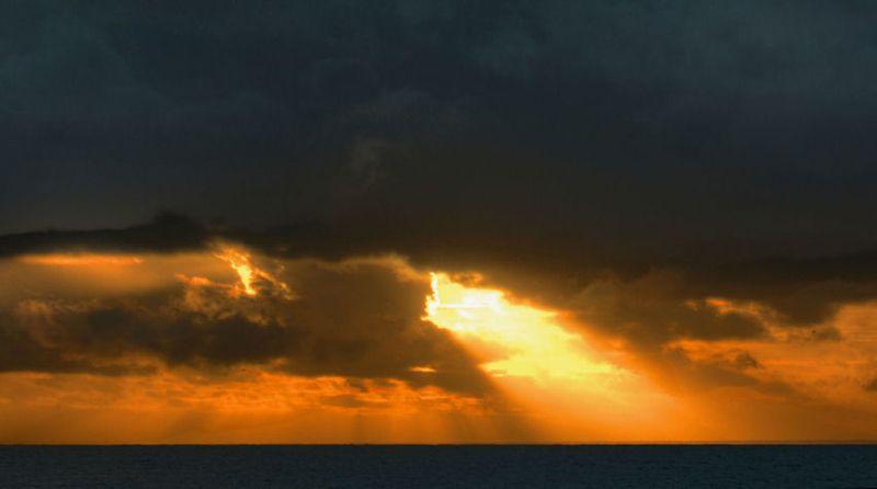 11_11 thumb sunrise beam of light DSC03718_19_20_tonemapped