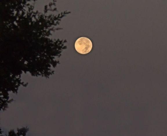 08_12 thumb full moon and lights 2 DSC06076_tonemapped