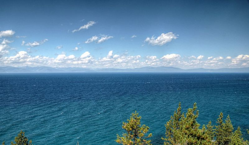 09_13 thumb lake tahoe 2 DSC09374_5_6_tonemapped
