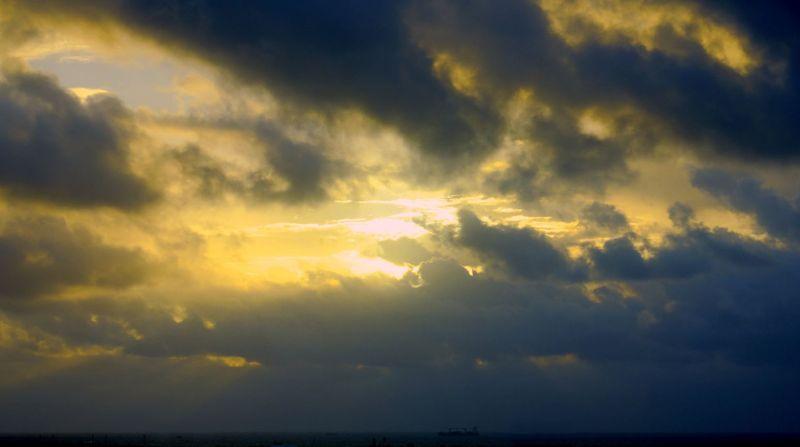 11_13 thumb fll sunrise 02 DSC09748_49_50_tonemapped