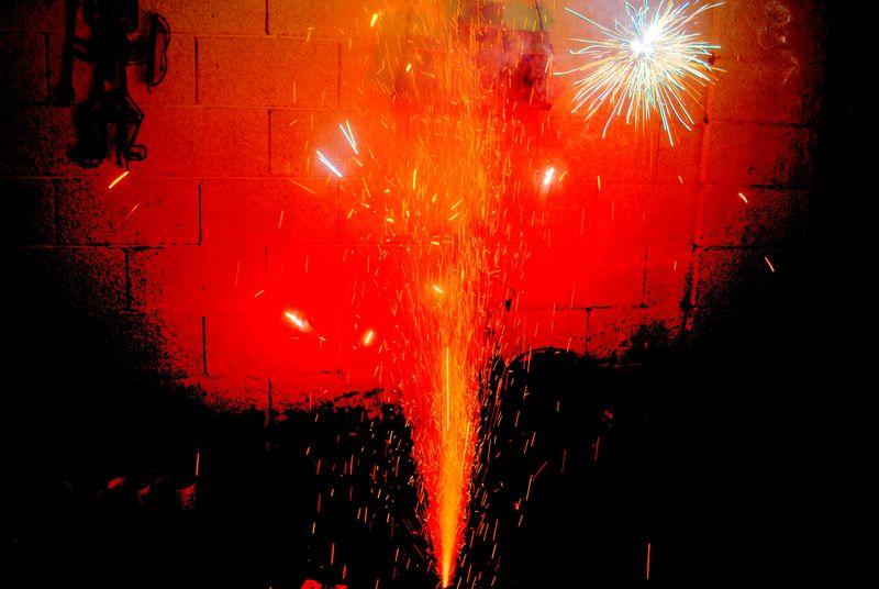07_14 backyard fireworks 03 DSC00283_tonemapped