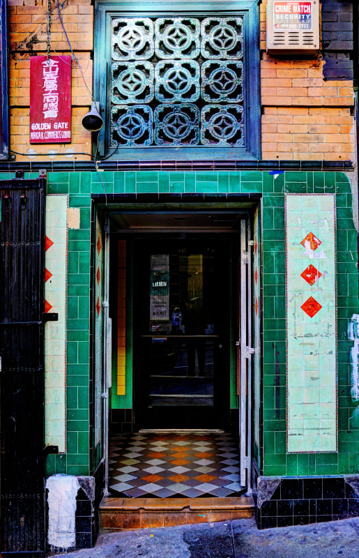 12_17 chinatown green doorway DSC00824_5_6_Painterly 5