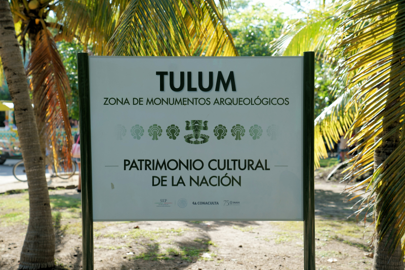 10_18 cruise tulum sign DSC02542