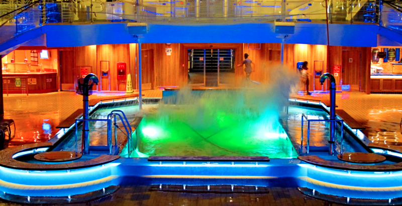 01_18 cruise stormy pool IMG_0032