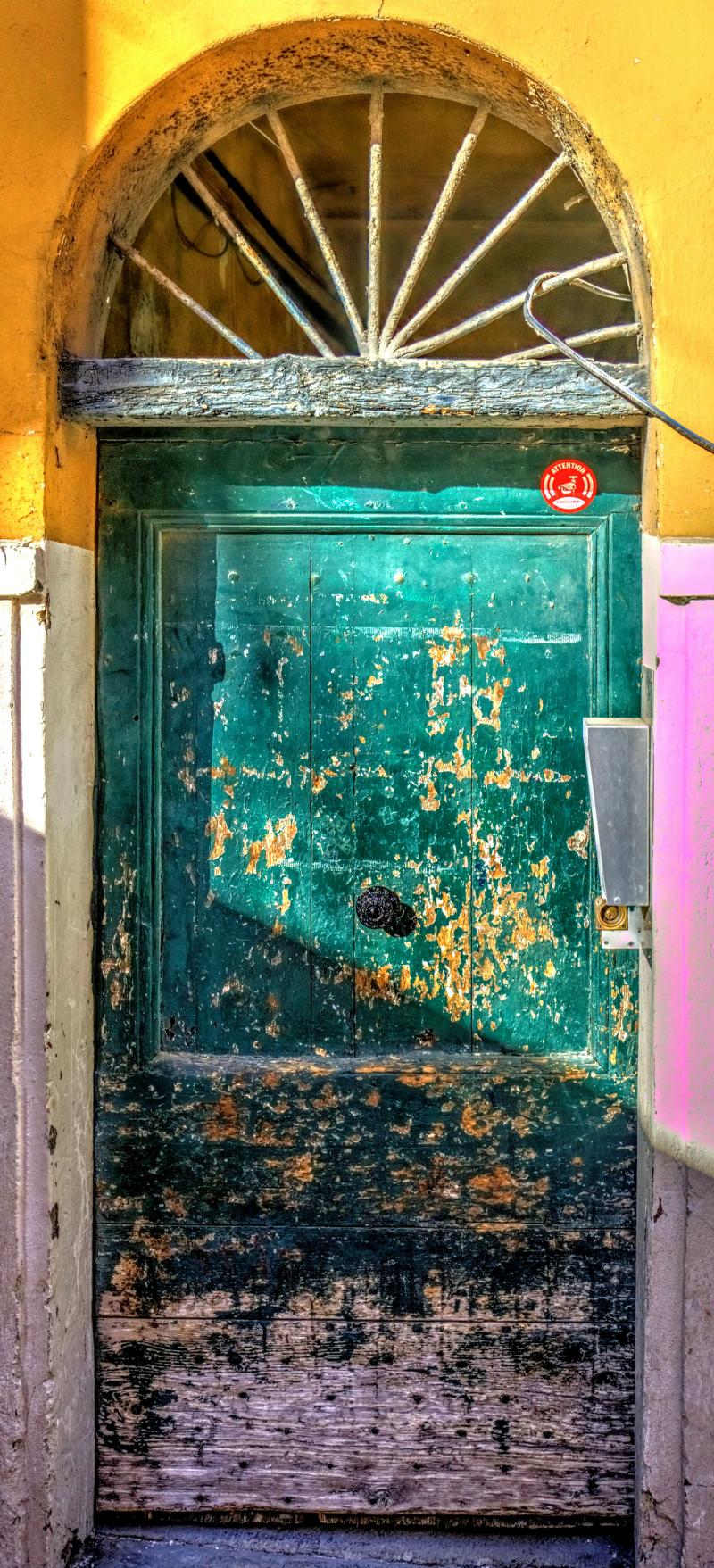 08_19 nice door green 2 DSC04130_Vibrant