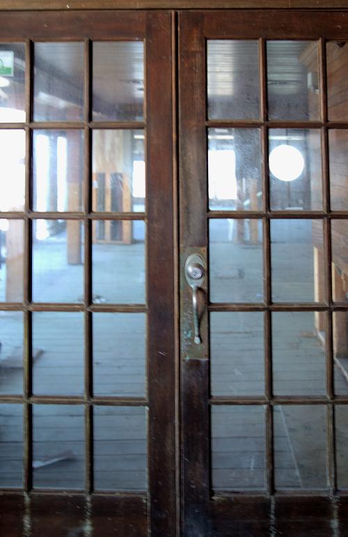 06_21 river inn signs DSC06707 -1