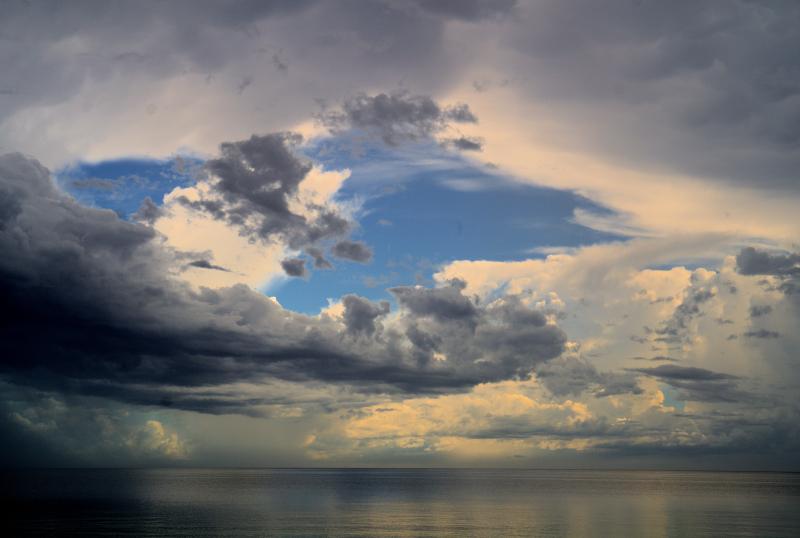08_21 anna maria stormy beach DSC07068 -1