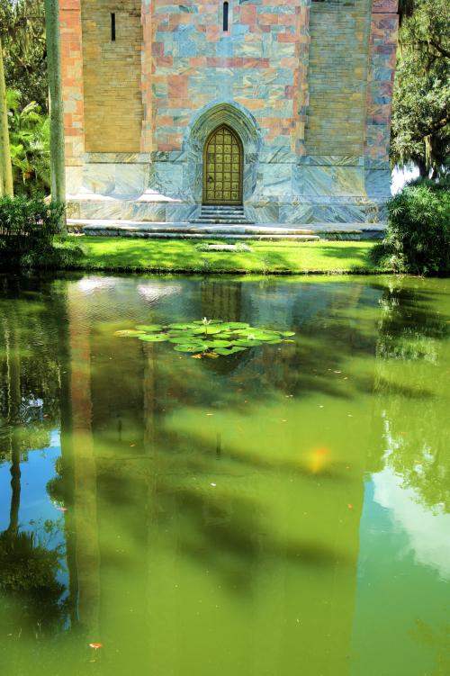 08_21 Bok Tower reflecting pond DSC07010_Detail