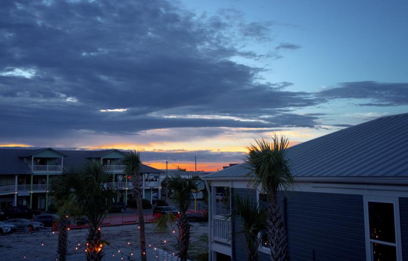 06_21 apalach inn patio sunset DXO_0543 -1
