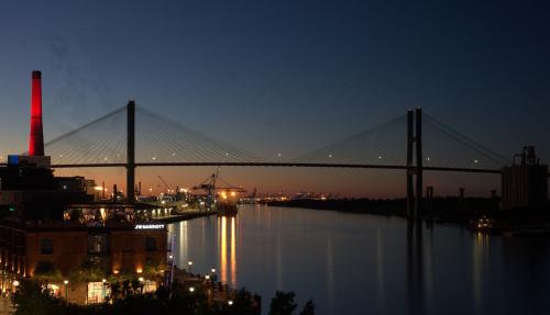 09_21 savannah harbor afte dark DSC07322 -1